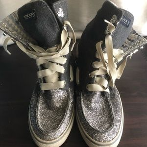 Sperry high-top glitter boots. Adorable!